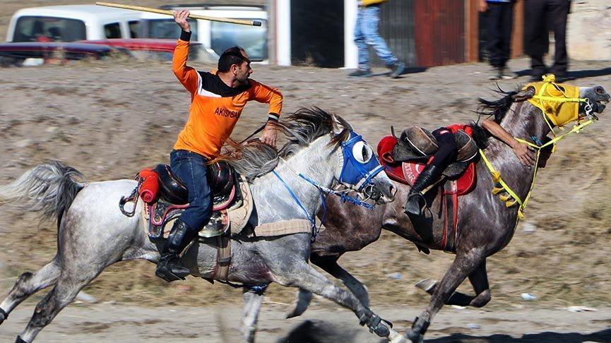 Asırlık gelenek cirit, Erzurum'da yaşatılıyor