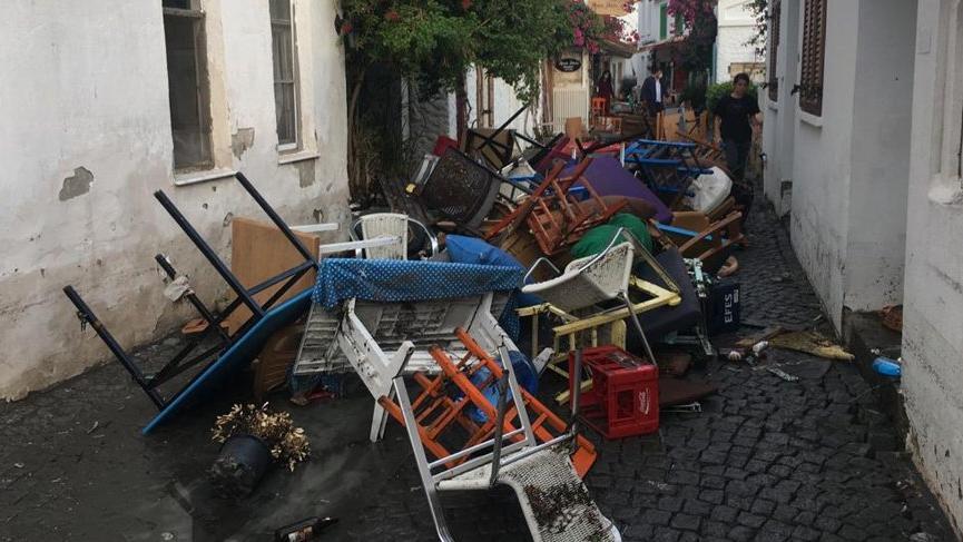 SÖZCÜ İzmir'de mini tsunaminin olduğu Sığacık'ta! İşte korkutan kareler