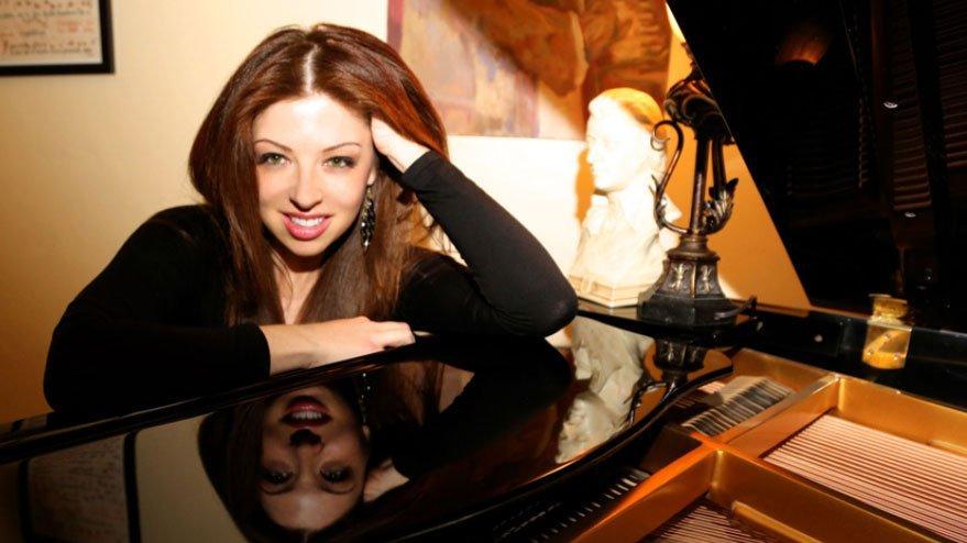 Pınar Toprak: Hollywood tarihine damga vuran Türk müzisyen