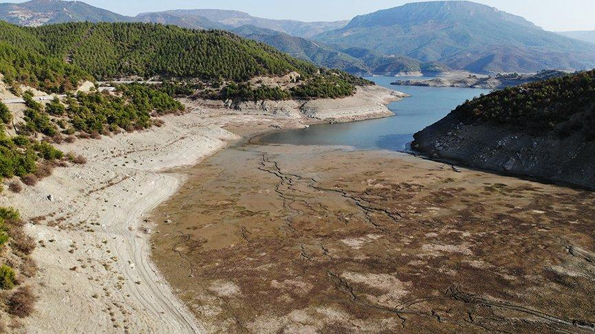 Türkiye'nin 3. büyük barajında korkutan görüntü