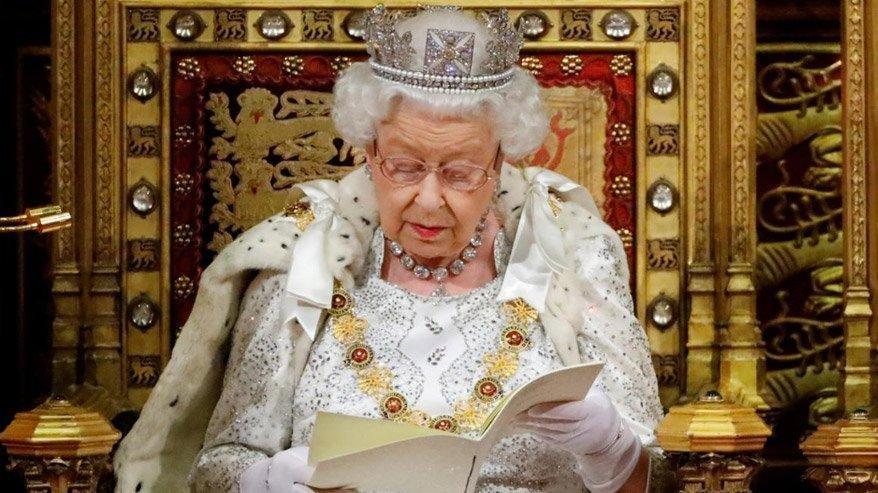 Bomba iddia: Kraliçe Elizabeth tahttan iniyor