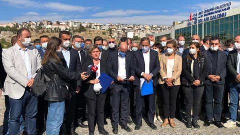 Deprem bölgesindeki CHP heyeti, risk tespit edilen yapılarda neden önlem alınmadığını sordu