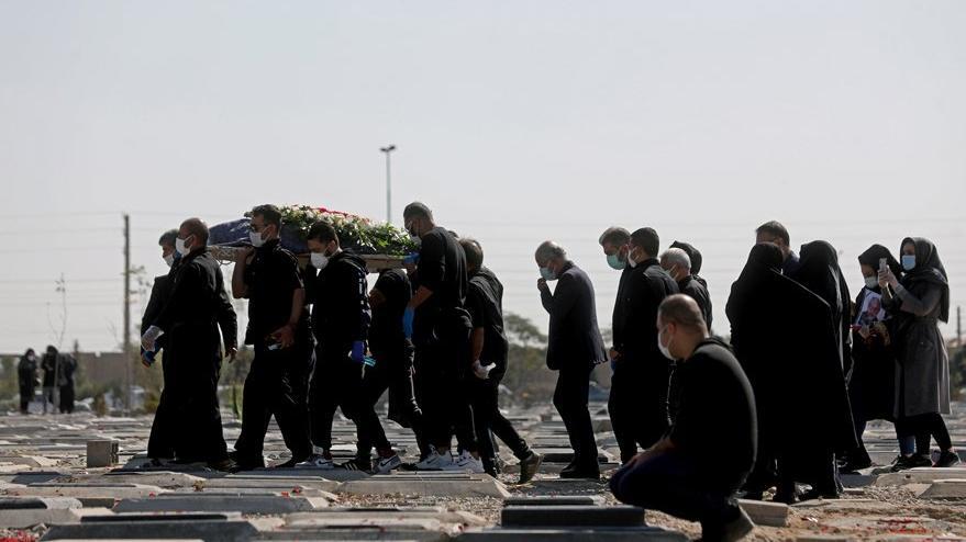 İran'da corona virüsü dehşeti: Bir günde rekor sayıda ölüm