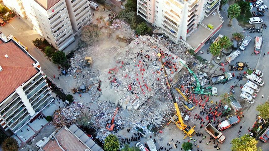 İzmir depremi sonrası 9 kişi gözaltına alındı! Aralarında yıkılan binaların müteahhitleri de var