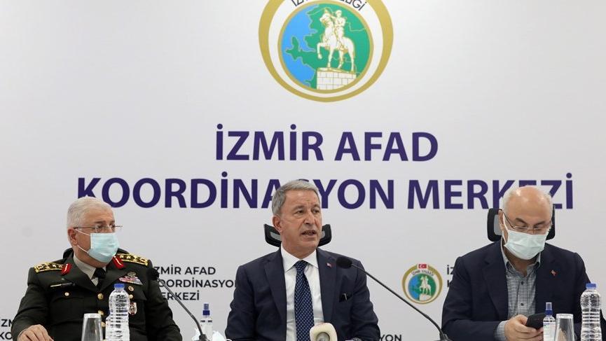 İzmir'e giden Bakan Akar: Buradan çıkarılacak dersler var
