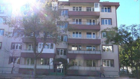 Edirne'de kolonları çatlayan 40 yıllık bina boşaltıldı