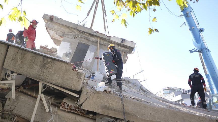 İzmir'de acil yıkılacak bina sayısı 178'e yükseldi