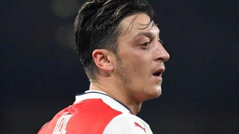 Arsenal'de kadroya giremeyen Mesut yatırımcı oldu