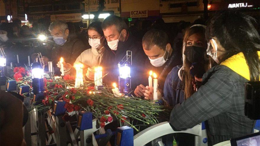 Yıkılan Rıza Bey Apartmanı önünde yürek burkan görüntüler - Son dakika  haberleri