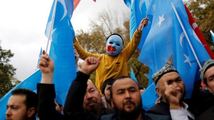 Çinli şirketin yazılımında ortaya çıktı! Uygur Türkleri'yle ilgili şok iddia...