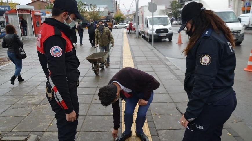 Muş'ta kamuya açık alanda sigara kullanımı yasaklandı