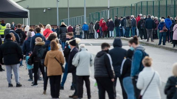 Corona salgınında son durum: Avrupa'da vaka artışı devam ediyor