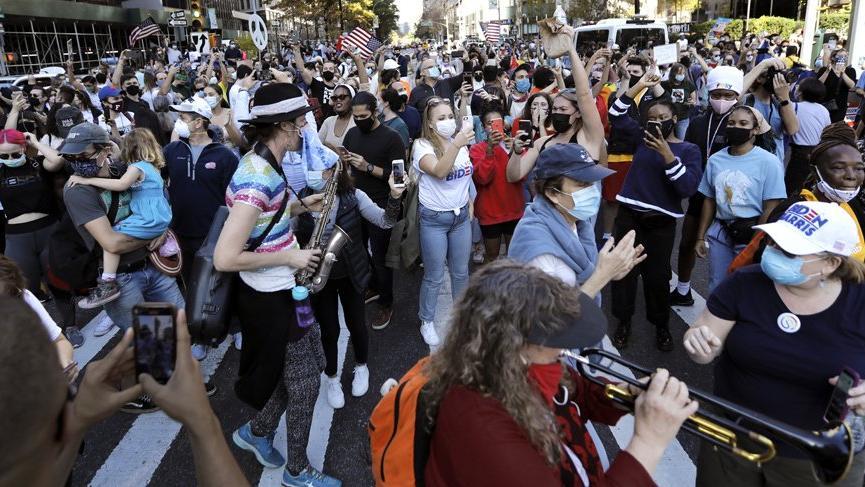 ABD'de Joe Biden'ın destekçileri sokaklara döküldü