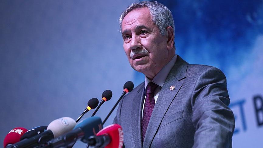 Bülent Arınç'tan Berat Albayrak'a: Hepimiz görüyoruz bu ekonomik sıkıntıyı