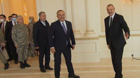 Mevlüt Çavuşoğlu ve Hulusi Akar, Bakü'de Aliyev ile görüştü