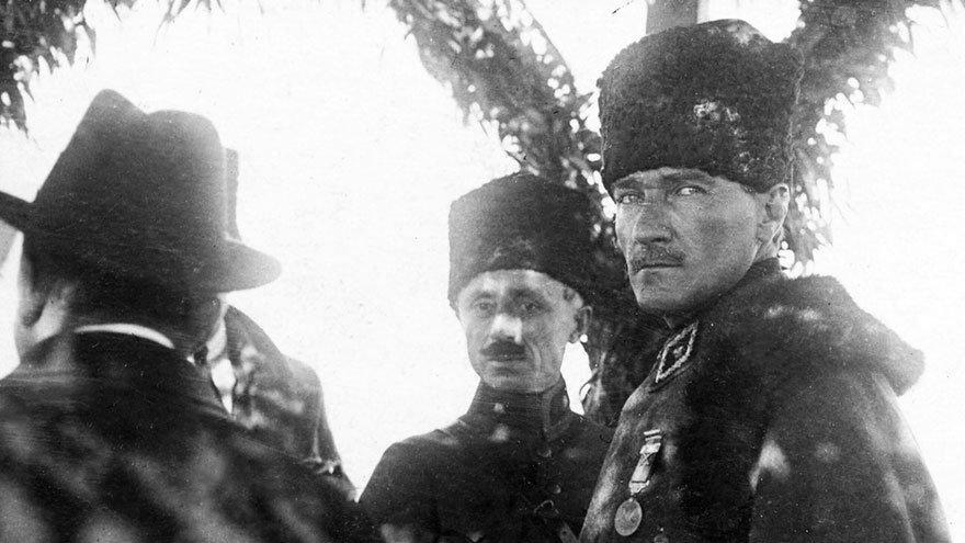 10 Kasım   'Demokrasi, Atatürk'ün ruhuna işlemişti'