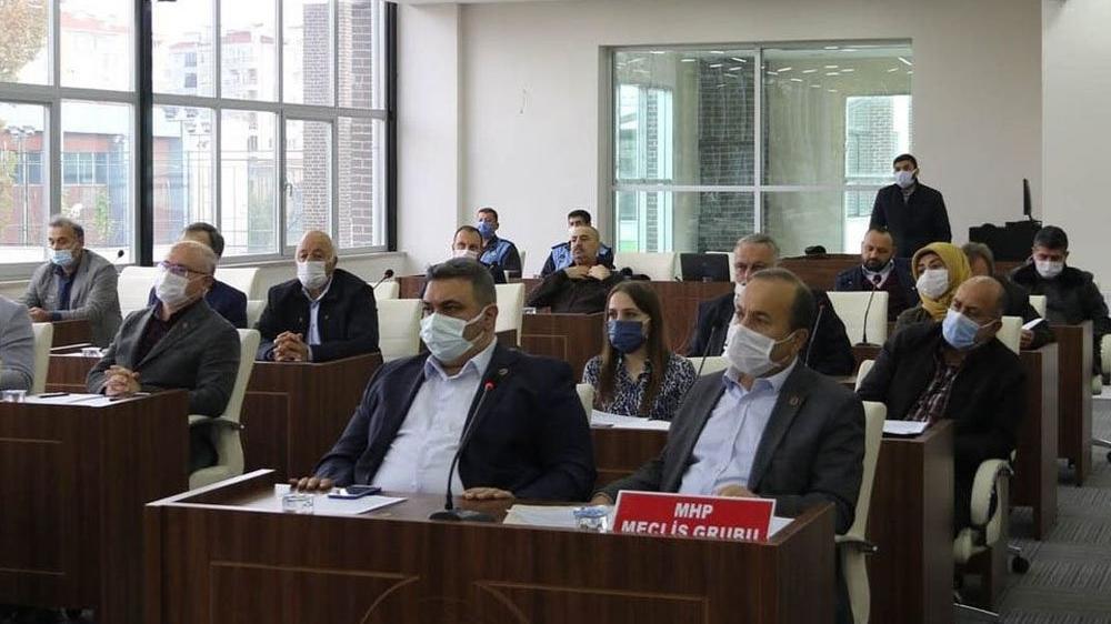 MHP, yolsuzluk iddiası olan AKP'li belediyeyi kardeş kabul etmedi