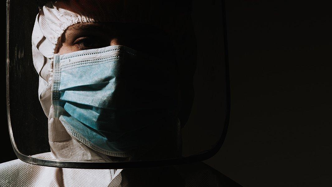 Üç günde 13 sağlık çalışanı Covid-19'dan hayatını kaybetti