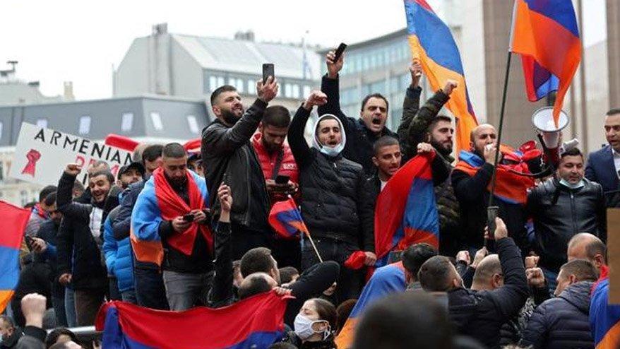 Paşinyan'a kötü haber! Muhalefet çağrı yaptı, Ermeniler sokağa çıkıyor