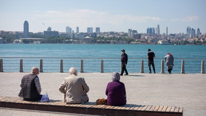 Son dakika... İstanbul'da 65 yaş ve üstüne sokağa çıkma kısıtlamasıyla ilgili yeni karar