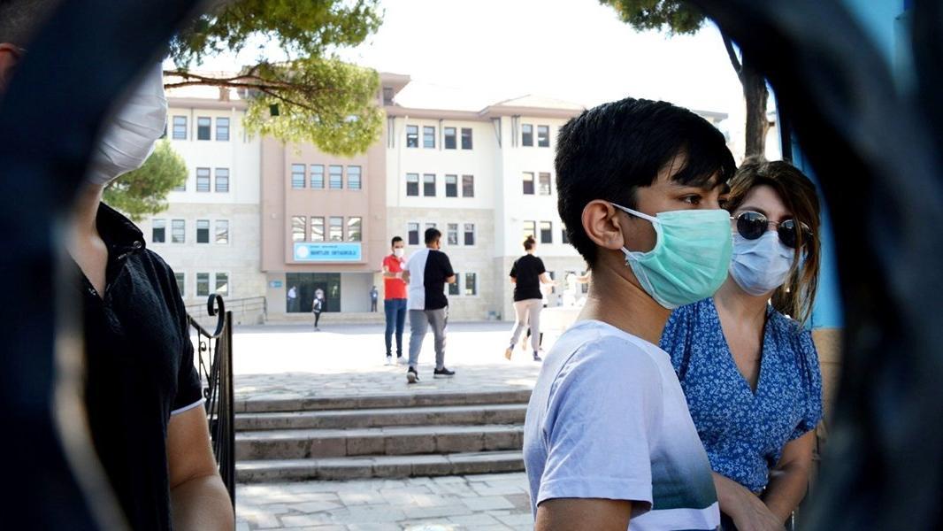 Okullar kapatılacak mı? Bilim Kurulu üyesinden açıklama