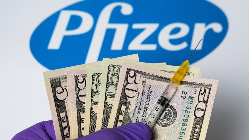 Pfizer CEO'su, aşının açıklandığı gün 5.6 milyon dolarlık hisse sattı