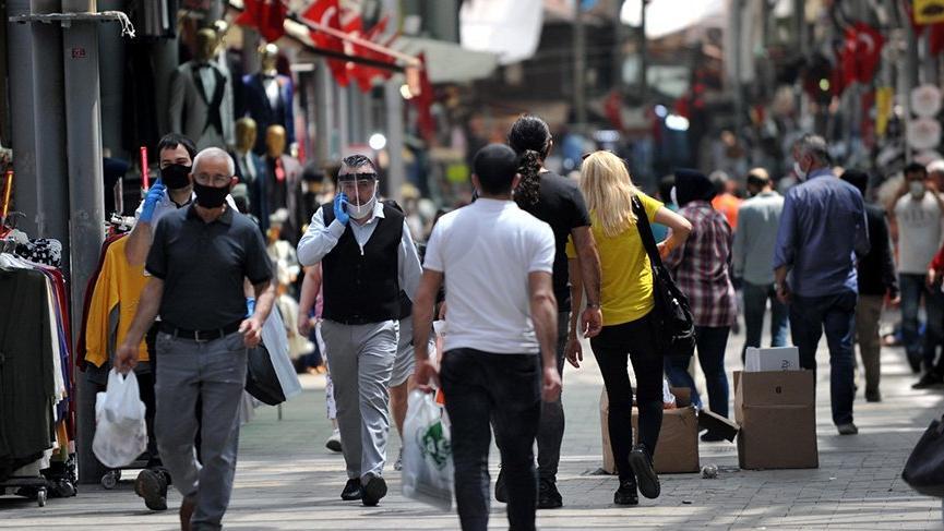 İstanbul'da 125 sokak, 93 cadde ve 84 meydanda sigara içilmesi yasaklandı