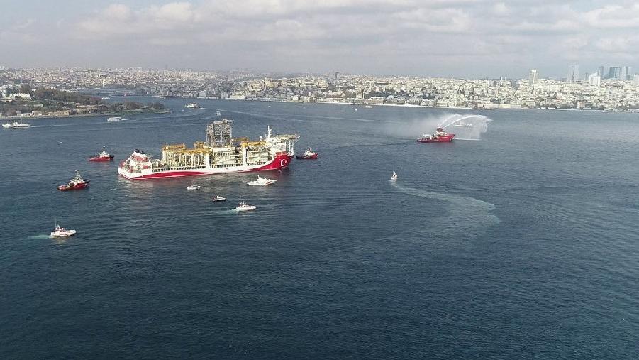 Kanuni sondaj gemisi Karadeniz'e doğru yola çıktı