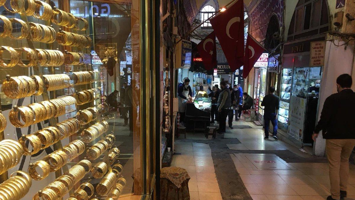 Altın fiyatları düştü, vatandaş beklemeye geçti