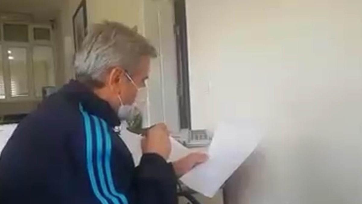 AKP'li Başkan mikrofonu eline alıp vatandaşı uyardı: Hastaneler tamamen doldu, yoğun bakımlar yetmiyor