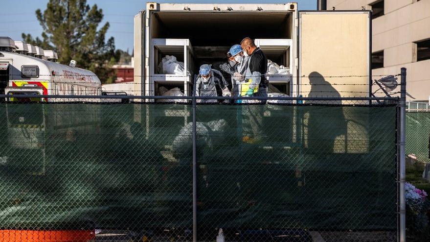 ABD'de mahkumlar 2 dolara Covid-19'dan ölenleri morglara taşıyor