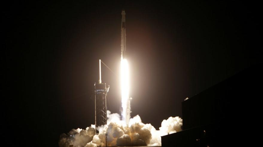Bir ilk yaşandı: Astronotlar SpaceX ile gönderildi