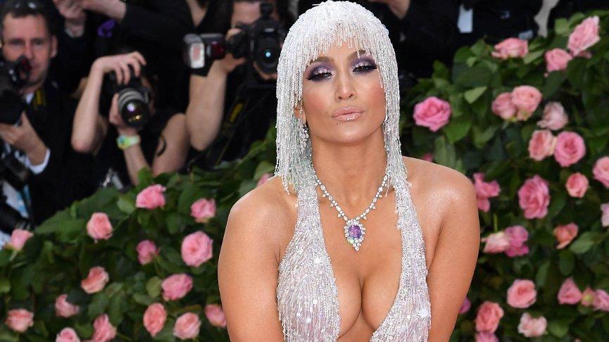 Jennifer Lopez kendi kozmetik markasını kurdu