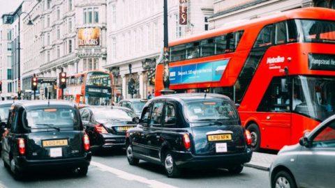 İngiltere 2030'da benzinli ve dizel araç satışlarını yasaklayacak
