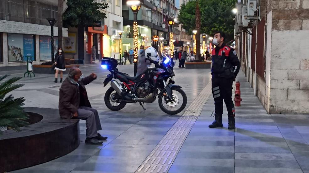 Coronalı vatandaş HES koduna takıldı, polis etrafında güvenlik önlemi aldı