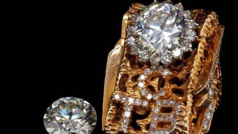 Efsanelerin eşyaları açık artırmada: Elvis'in yüzüğüne servet dökecekler