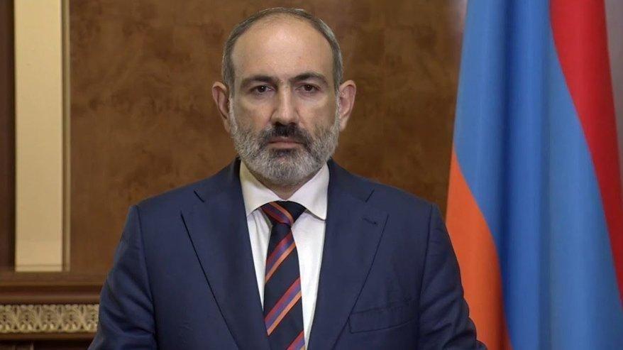 Ermenistan'ın savunma bakanı da istifa etti