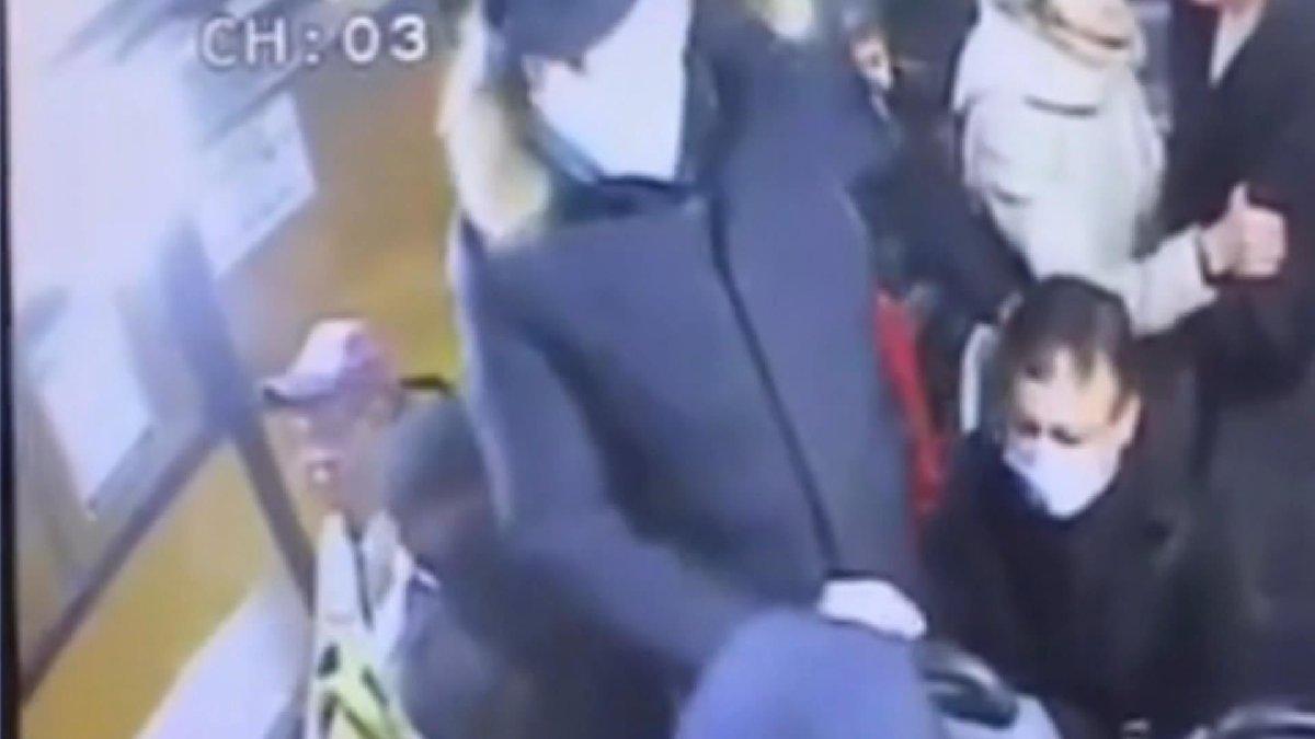 Rusya'da corona dehşeti: Maske için uyardı, bıçaklanarak öldürüldü