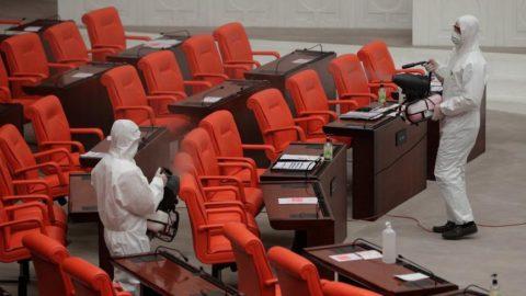 Corona testinin pozitif çıktığını Genel Kurul'da öğrenince salon boşaltıldı