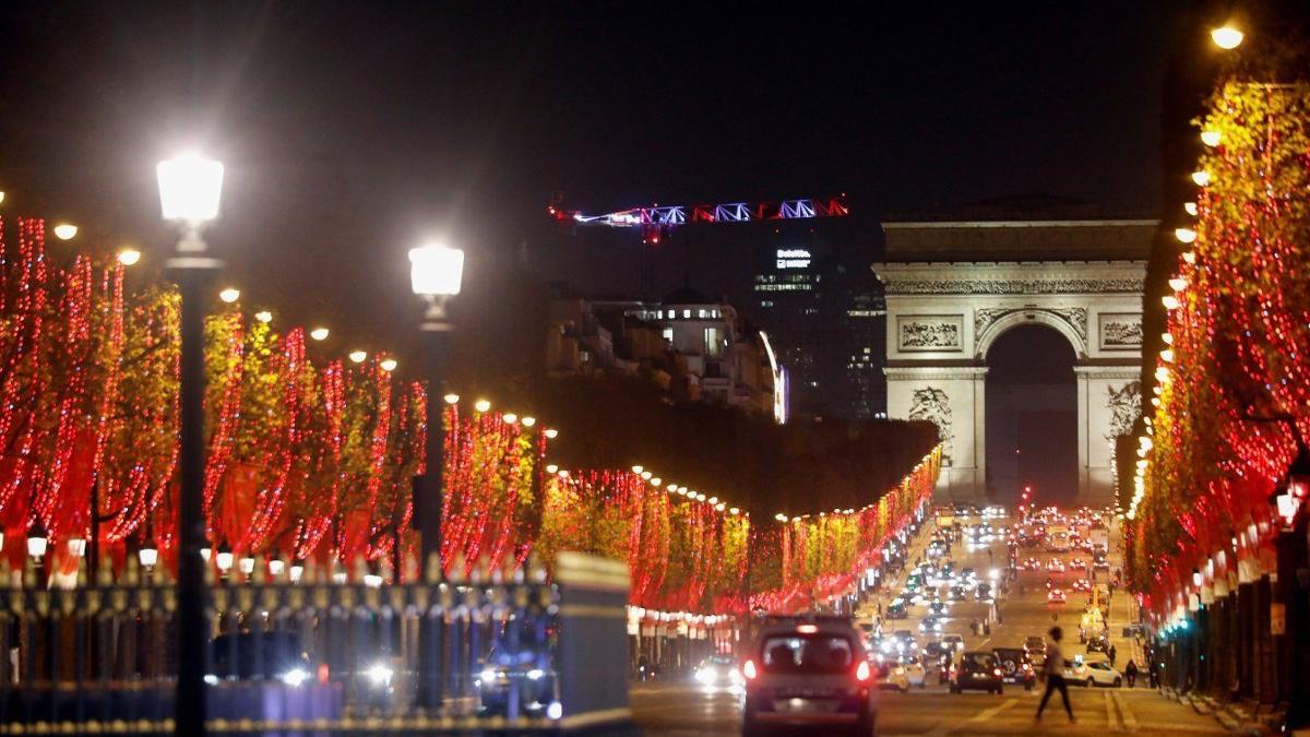 Fransa'da, Noel öncesi gevşeme sinyali ve tepkiler: 'Covid ateşine benzin dökmek olur...'