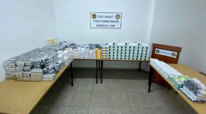 Sınırlarda çok sayıda av fişeği, sigara ve ilaç ele geçirildi