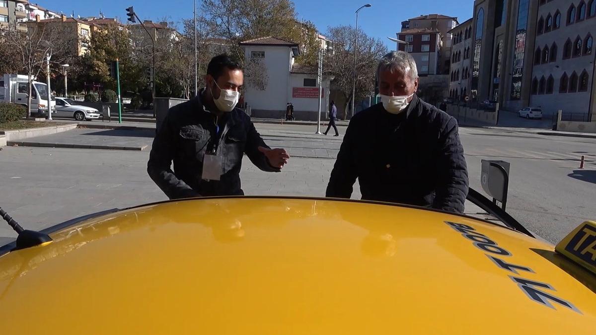 Taksicinin coronalı müşteri isyanı: İndirsem bir türlü, gitsem bir türlü