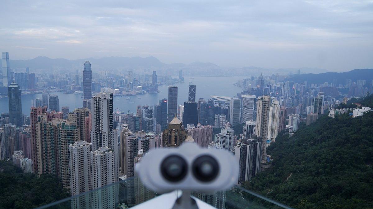 Hong Kong'da 'yeni vaka' paniği! Test yaptırana para verilecek