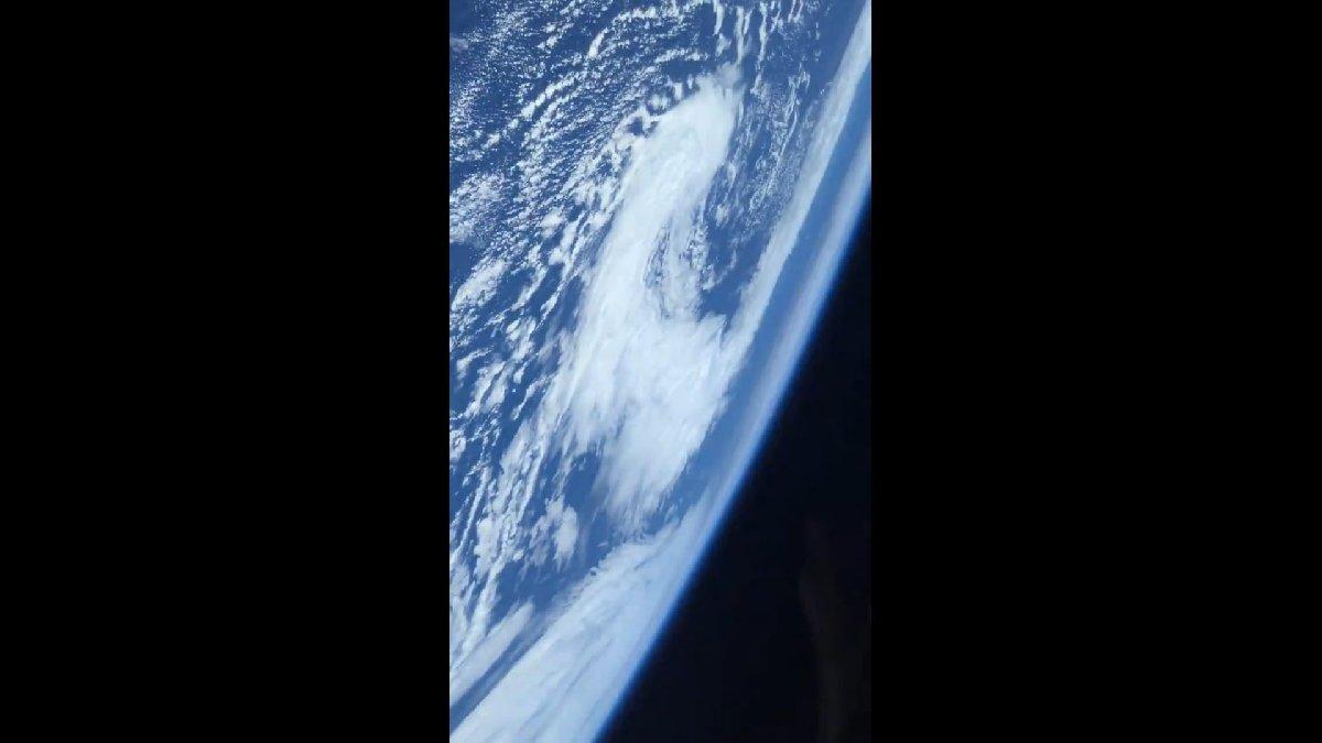 Musk'ın kapsülüyle uzaya çıktı... Yörüngeden nefes kesen paylaşım