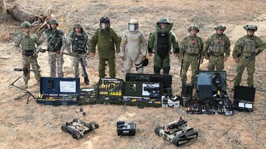 MSB: METİ ve PMKİ timleri Azerbaycan ordusuna destek sağlamaya başladı