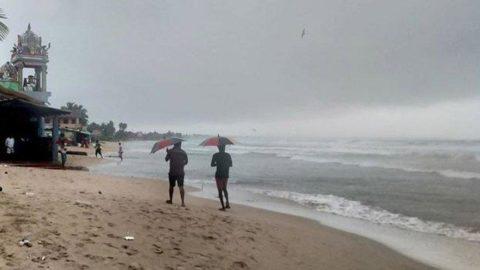 Sri Lanka'da alarmı: 75 bin kişi tahliye edildi