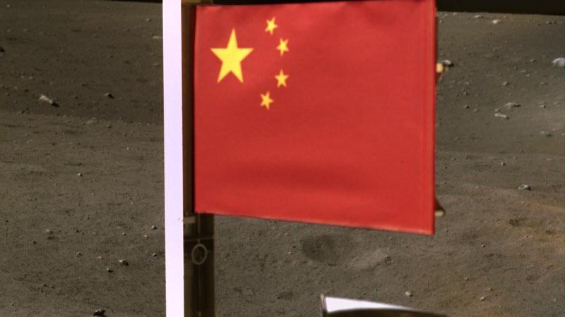 Chang'e 5 uzay aracı, Ay'a Çin bayrağı dikti