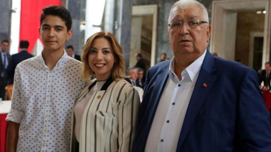 AKP'li vekilin eşi coronadan yaşamını yitirdi