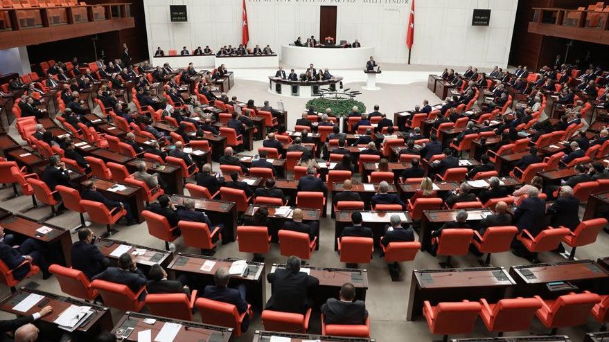 Meclis çatısı altında şeriat hukuku çıkışı