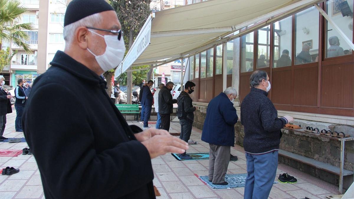 Diyanet'ten hutbe: 81 ilde yağmur duasına çıkılacak